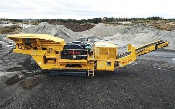 Keestrack-B4-mobile-jaw-crusher-quarry-crushing