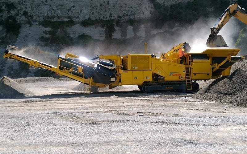 Keestrack R5 mobile track-mounted impact crusher thumbnail
