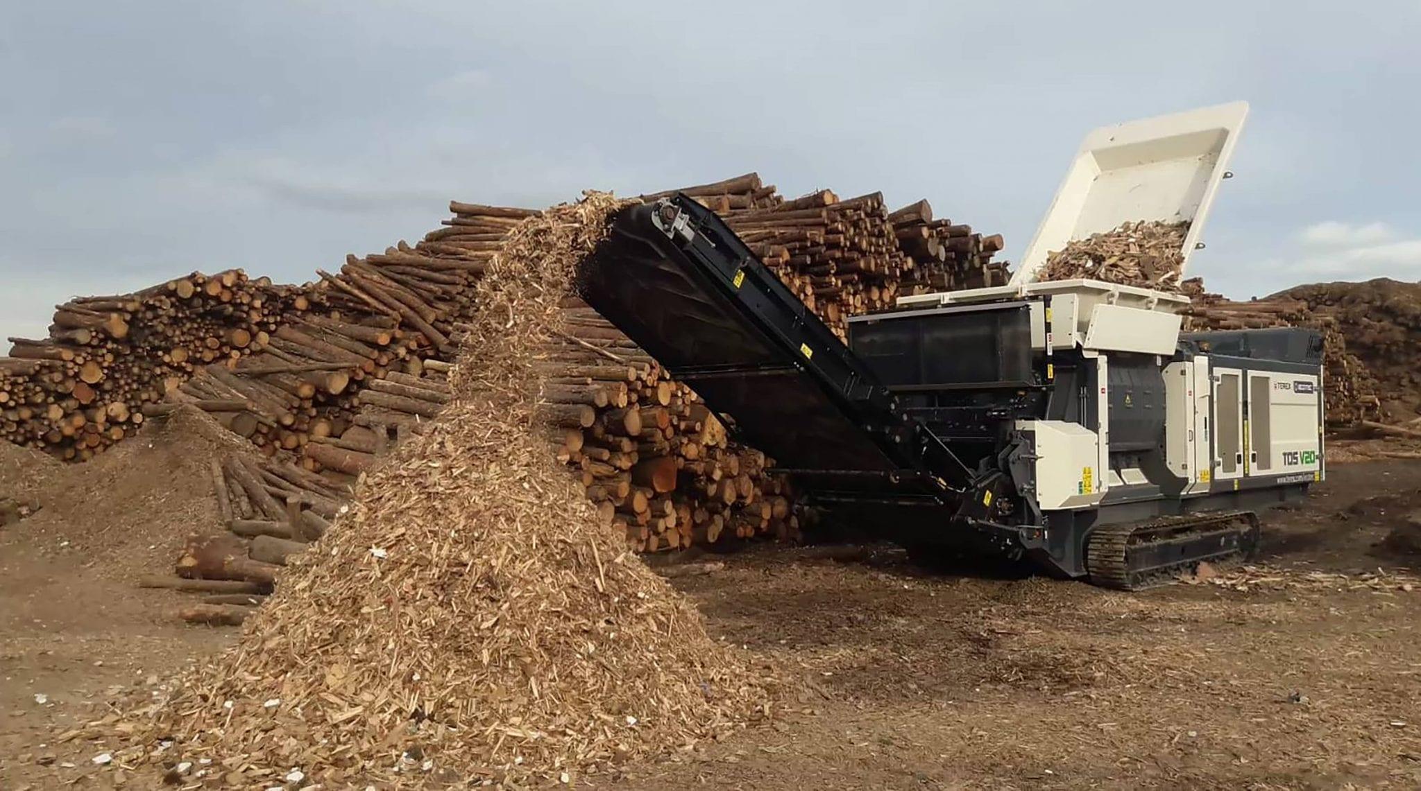 Ecotec TDS V20 Medium Speed Shreeder shredding wood waste