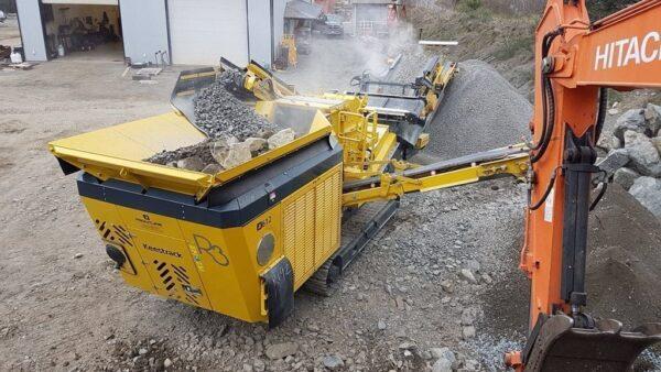 Keestrack R3 impact crusher-oversized return conveyor