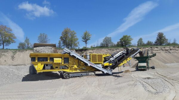 Keestrack R6 track mounted mobile impact crusher