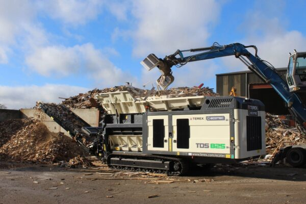 Ecotec TDS 825 slow speed shredder